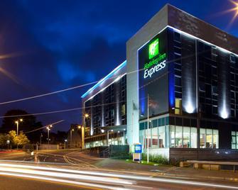 Holiday Inn Express Hamilton - Hamilton - Budova