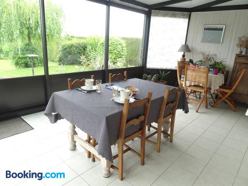 les Voiries chambres d'hotes - Fleury - Dining room
