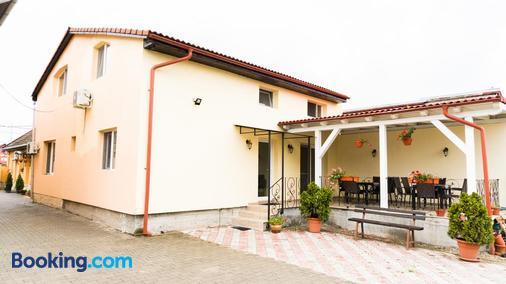 Pensiunea Bella - Arad - Building