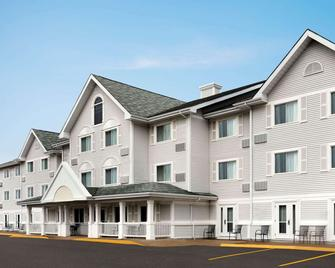 Travelodge Suites by Wyndham Moncton - Moncton - Toà nhà