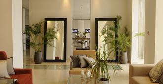 E-Hotel - Larnaca - Lobby
