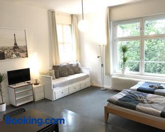 Ferienwohnungen und Apartmenthaus Halle Saale - Villa Mathilda - Halle - Living room