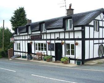 Mid Wales Inn - Rhayader - Gebouw