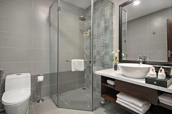 Haka Hotel & Apartment - Da Nang - Bathroom