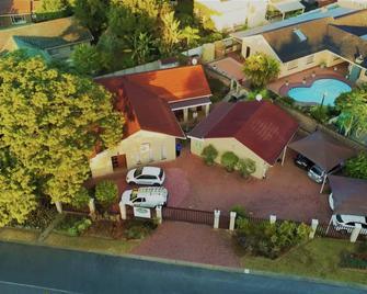 35 Kelkiewyn Bed & Breakfast - Mbombela - Building