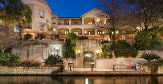Hotel Indigo San Antonio-Riverwalk - San Antonio - Building