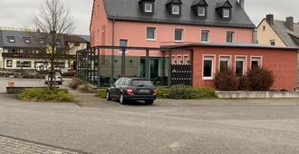 Gasthaus am Flughafen - Hahn - Building