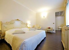 帕爾馬司湯達水星酒店 - 帕馬 - 帕爾馬 - 臥室
