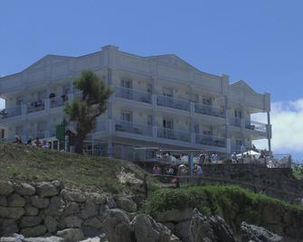 Hotel Pineda Playa - Noja - Building