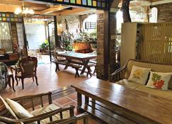 Balai Tinay Guesthouse - Legazpi City