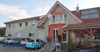 Hotel Orlan - Bratislava - Rakennus