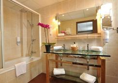 Best Western Plus Hotel Windsor - Perpignan - Bathroom