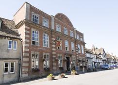 The Red Lion - Chippenham - Edifício