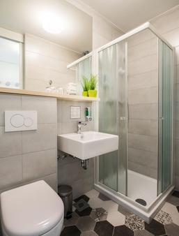 綠色城市公寓酒店 - 留布利安納 - 盧布爾雅那 - 浴室