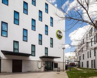 B&B Hotel Lille Tourcoing Centre - Tourcoing - Building