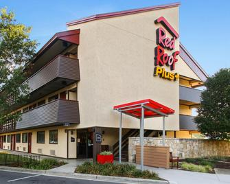 Red Roof Inn Plus+ Statesville - Statesville - Building