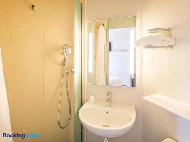 B&B Hôtel Colmar - Colmar - Bathroom