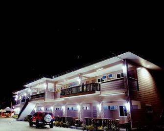 Jelly's Haven Resort - Santa Fe - Building