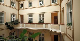 Hotel Wandl - Vienna - Building