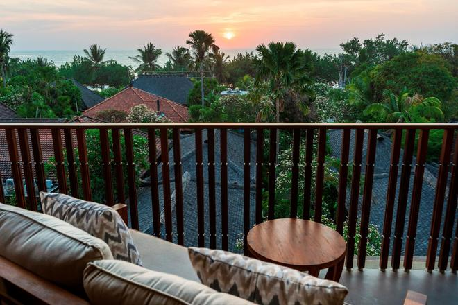 Kuta Seaview Boutique Resort - Кута - Балкон