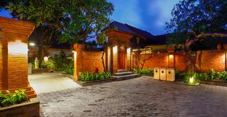 Kuta Seaview Boutique Resort - Kuta - Rakennus