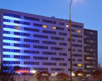 Best Western Hotel Portos - Varsovia - Building