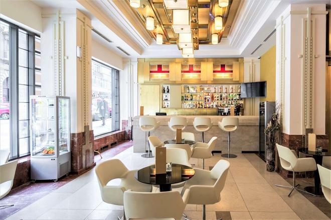 Majestic Plaza Hotel Prague - Prague - Bar