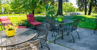 Comfort Inn West - Duluth - Patio