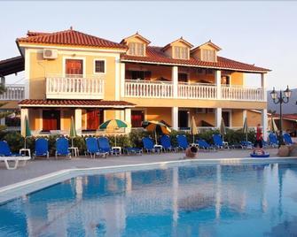 Elpida Hotel - Alikanas - Building