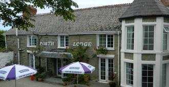 Porth Lodge Hotel - Newquay - Building