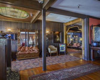 The Mendocino Hotel and Garden Suites - Mendocino - Salónek