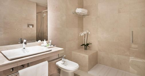 NH Collection Madrid Abascal - Madrid - Bathroom