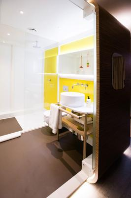 Qbic Hotel London City - London - Bathroom