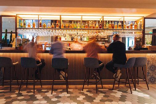 Qbic Hotel London City - London - Bar
