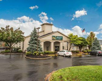 Quality Inn Austintown-Youngstown West - Youngstown - Edificio