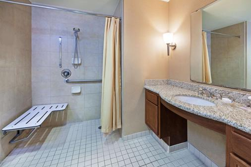 Homewood Suites by Hilton Laredo at Mall del Norte - Laredo - Phòng tắm