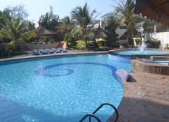 Radisson Blu Hotel, Bamako - Bamako - Piscina