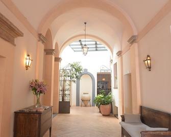 Palazzo Piccolomini - Orvieto - Lobby