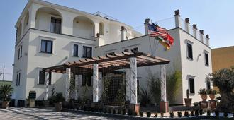 Costa Hotel - Pompei - Building