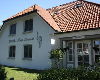 Hotel Haus Kranich - Prerow - Gebäude