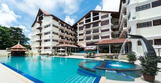 Regency Angkor Hotel - סיאם ריפ - בריכה