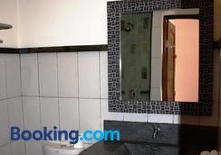 Arjuna Homestay - Gerokgak - Phòng tắm