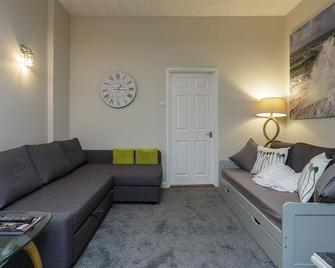 Upper Strand Apartment - Southsea
