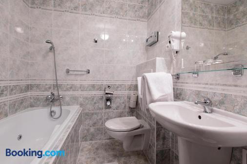 Hotel Victoria - Pilsen - Phòng tắm