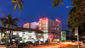 ibis Vientiane Nam Phu - Vientiane - Edifício