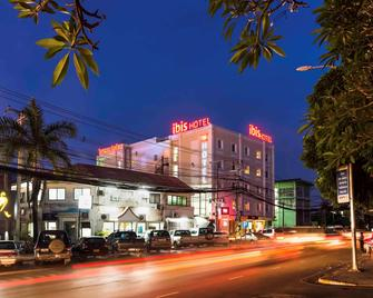 ibis Vientiane Nam Phu - Vientiane - Building