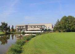 Golfhotel & Restaurant Lindenhof - Bad Vilbel - Edificio