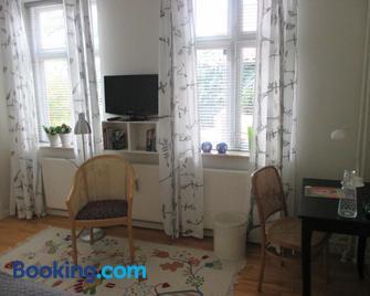 Foldenhus Bed & Breakfast - Bogense - Living room