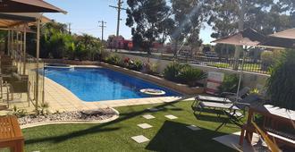 Best Western Chaffey International Motor Inn - Mildura - Bể bơi
