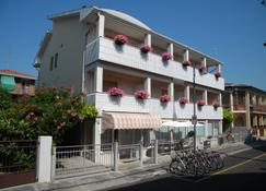 Hotel Eliani - Grado - Edificio